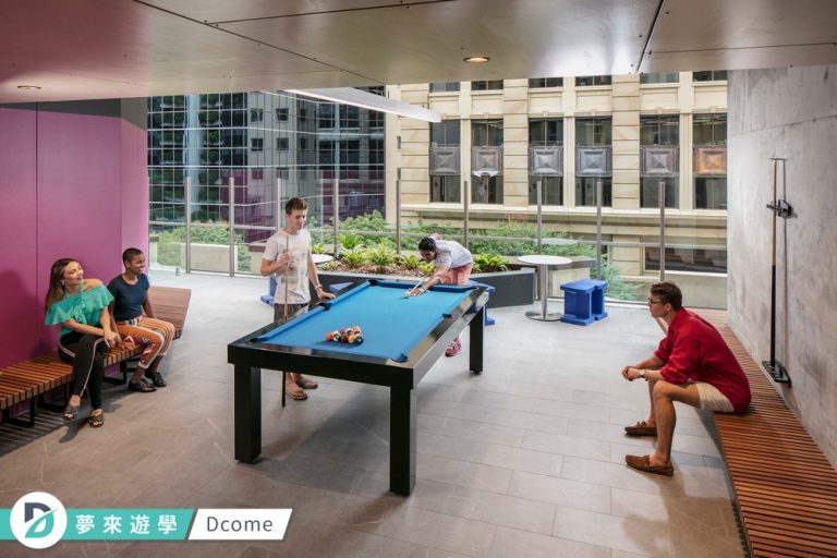 Browns brisbane_student_apartments_pooltable